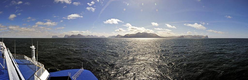 färöer inseln - vom schiff aus – von norden aus - teilpanora