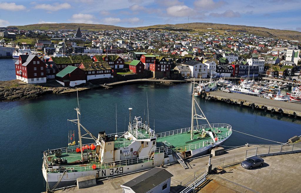 färöer inseln - vom schiff aus - thorshaven