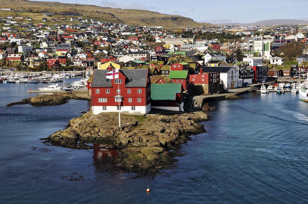 färöer inseln - vom schiff aus - thorshaven teil 2