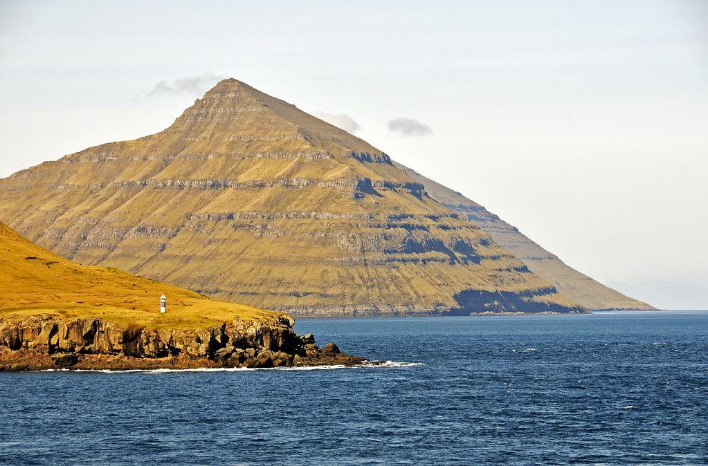 färöer inseln - vom schiff aus - mjóvanes