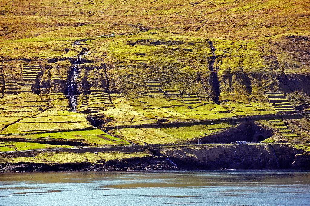 färöer inseln - vom schiff aus - leirvikfjord teil 3