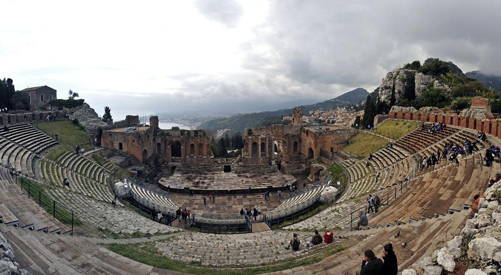 amphittheater - teilpanorama – totale -taormina 2015 (05)