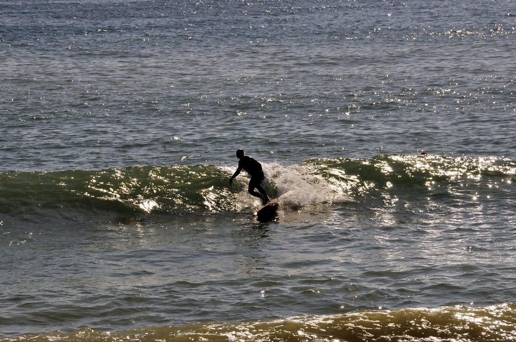 cinque terre – levanto - surfer