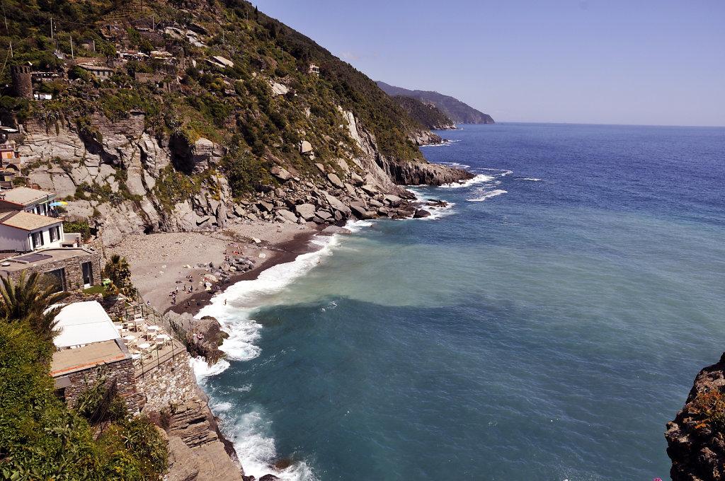 cinque terre - vernazza - der strand von oben