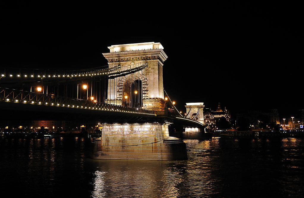 ungarn - budapest - night shots - kettenbrücke teil 4