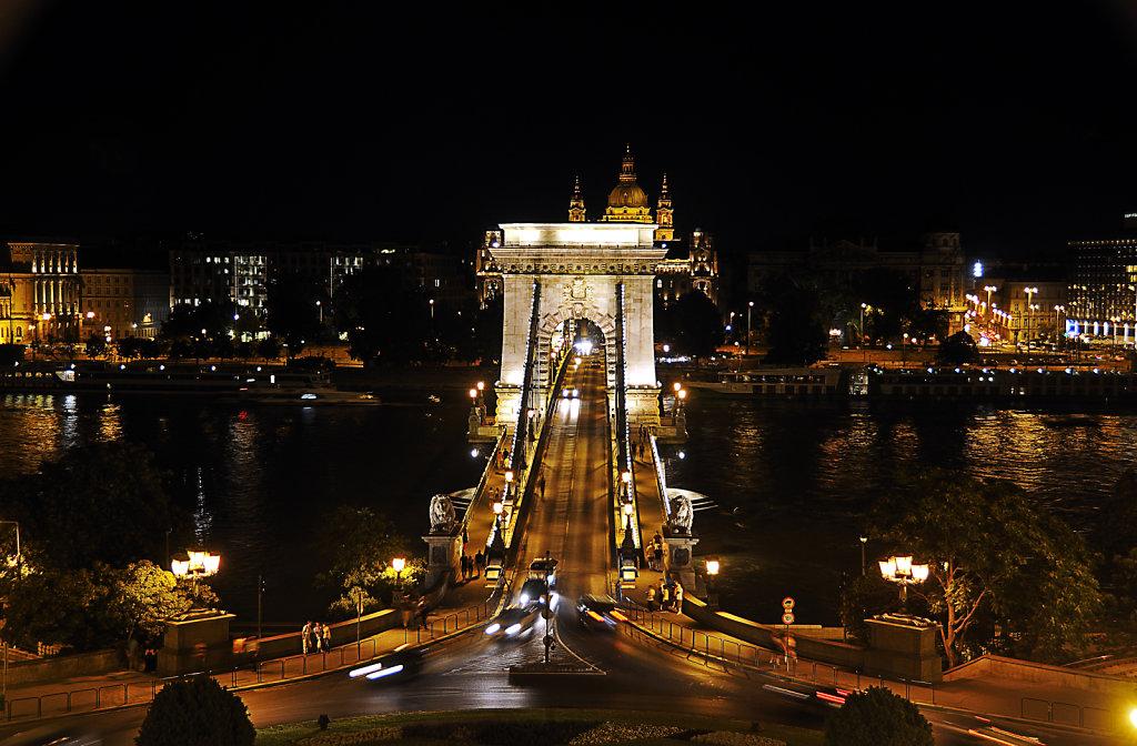 ungarn - budapest - night shots - kettenbrücke teil 5