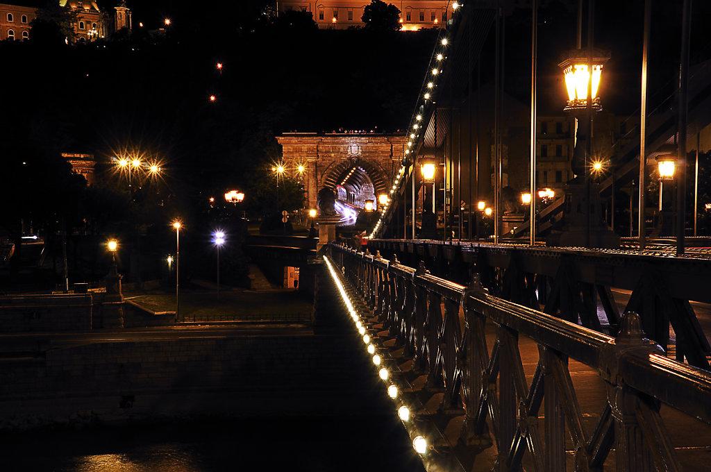 ungarn - budapest - night shots - kettenbrücke teil 7