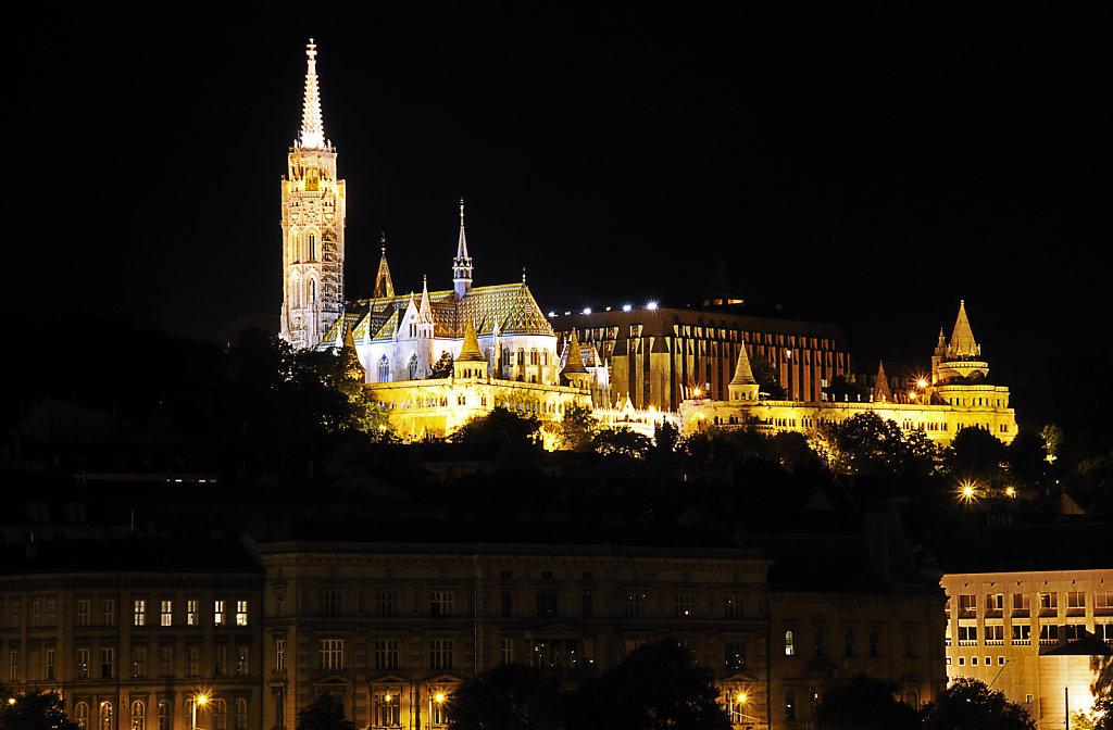 ungarn - budapest - night shots - burgberg