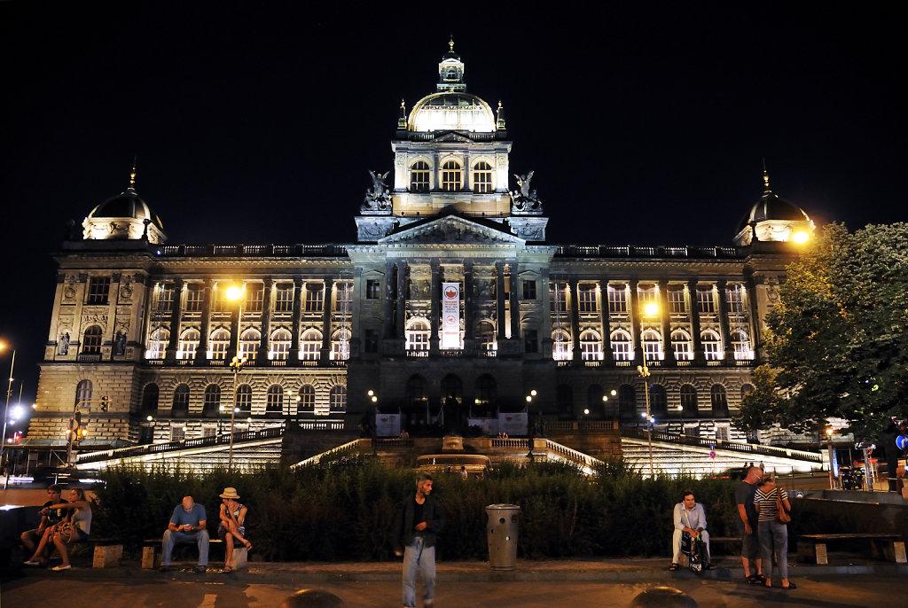tschechien - prag - night shots - nationalmuseum