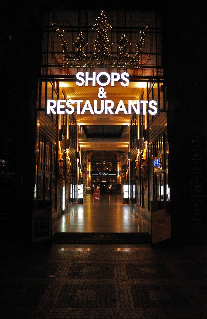 tschechien - prag - night shots - einkaufsmeile