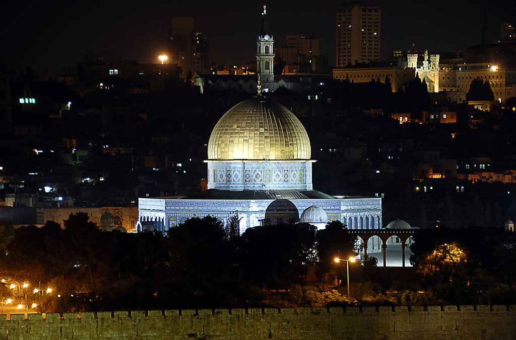 israel – jerusalem - blick vom ölberg nachts - der felsendom