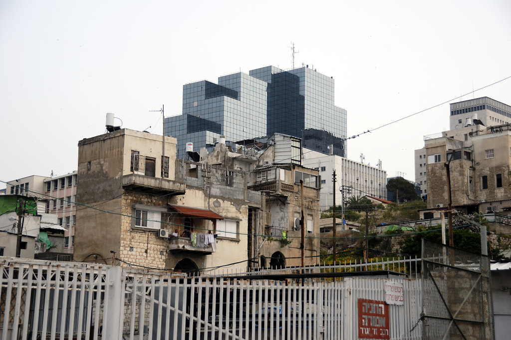 israel – haifa - kontrast