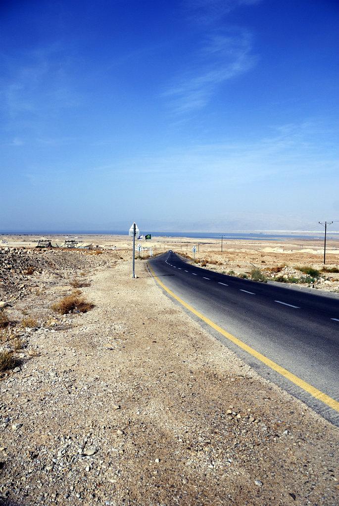 israel- totes meer - masada  - asphaltband