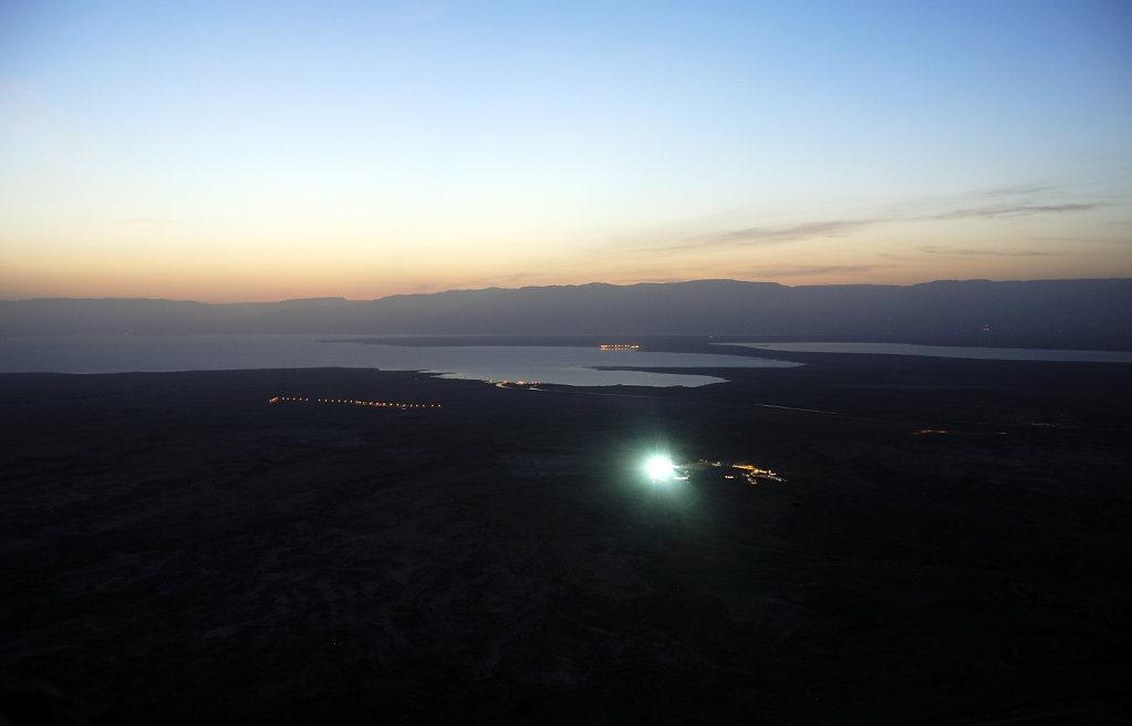 israel- totes meer - masada  - morgendämmerung
