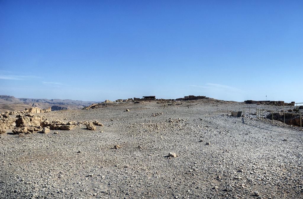 israel- totes meer - masada  - auf dem plateau