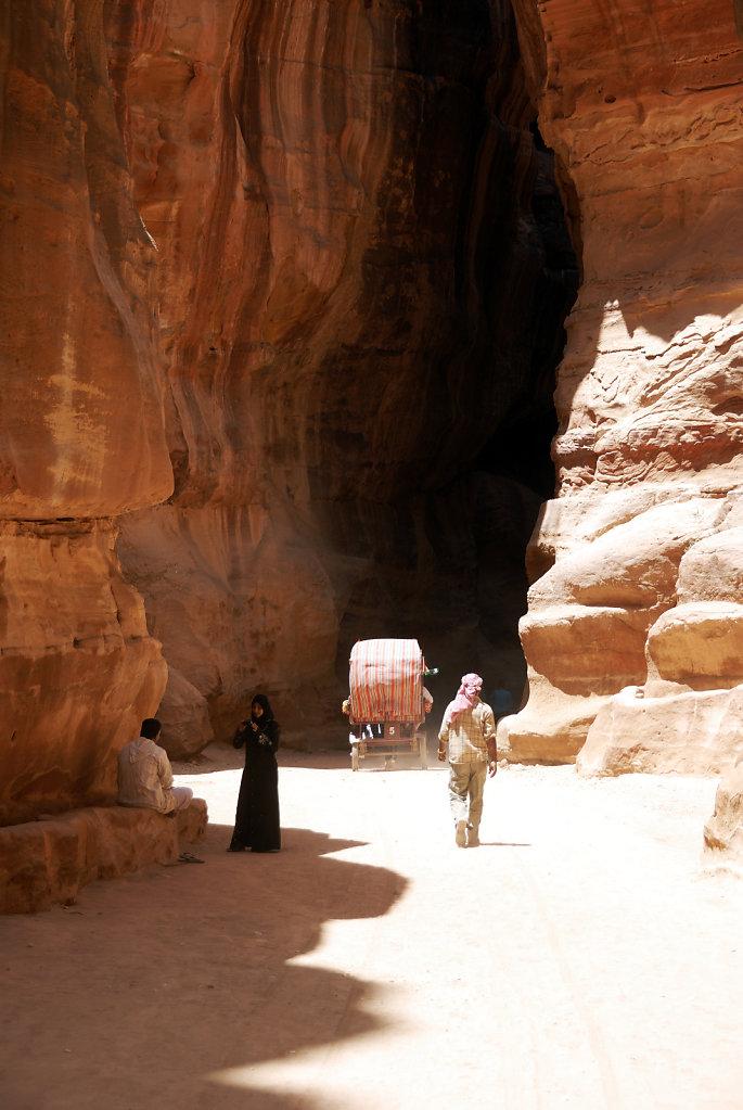 jordanien - petra - der sik - licht und schatten