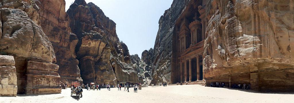 jordanien - petra - teilpanorama al kazane / das schatzhaus