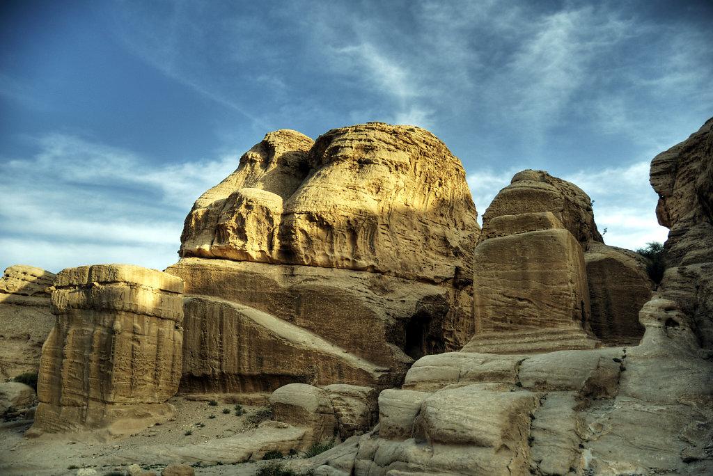 jordanien - petra - die djinn blocks