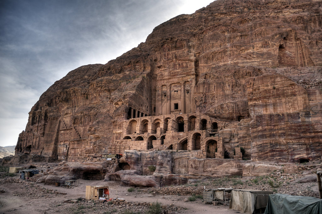 jordanien - petra - das urnengrab