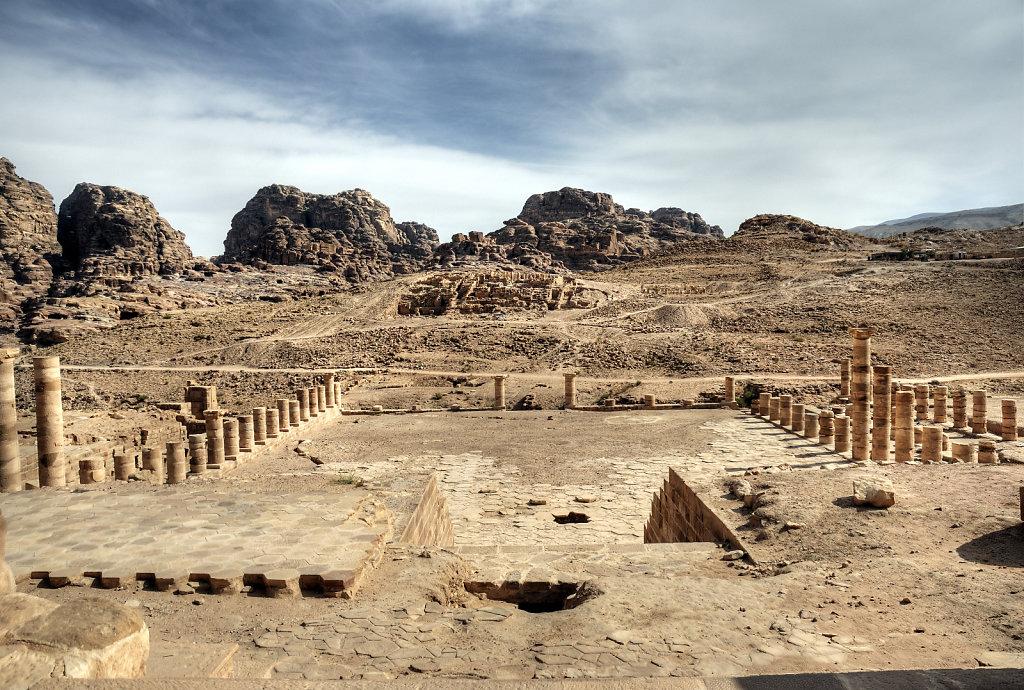 jordanien - petra - der große tempel