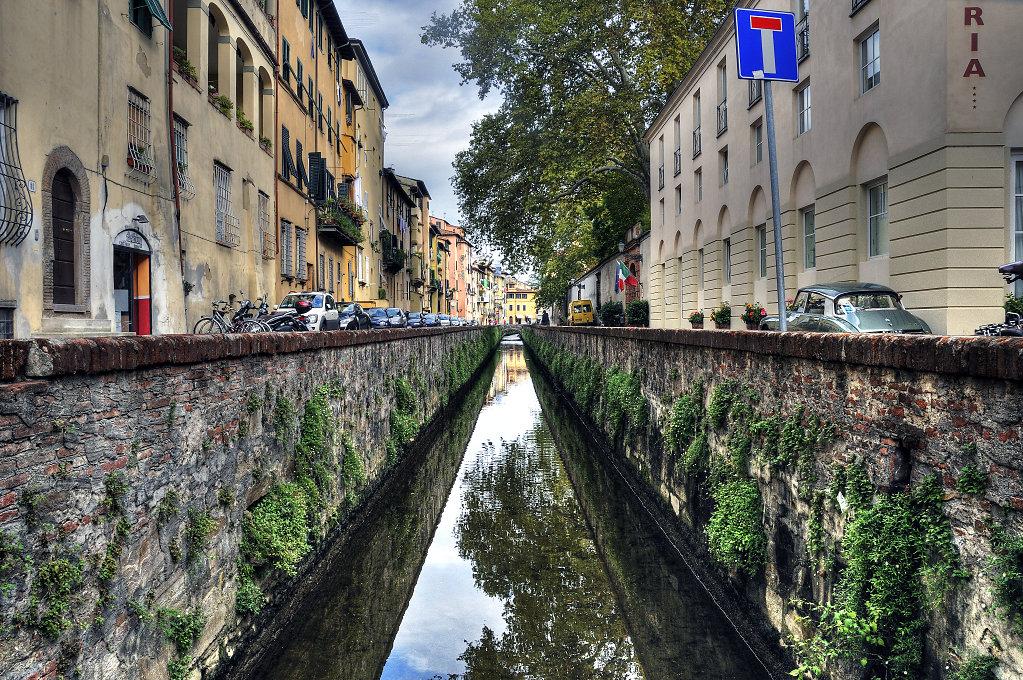 italien- lucca - der kanal