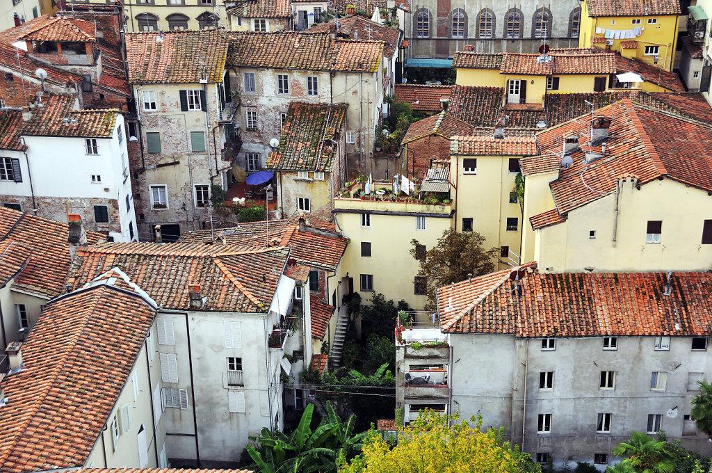 italien- lucca - blick auf die stadt  detail