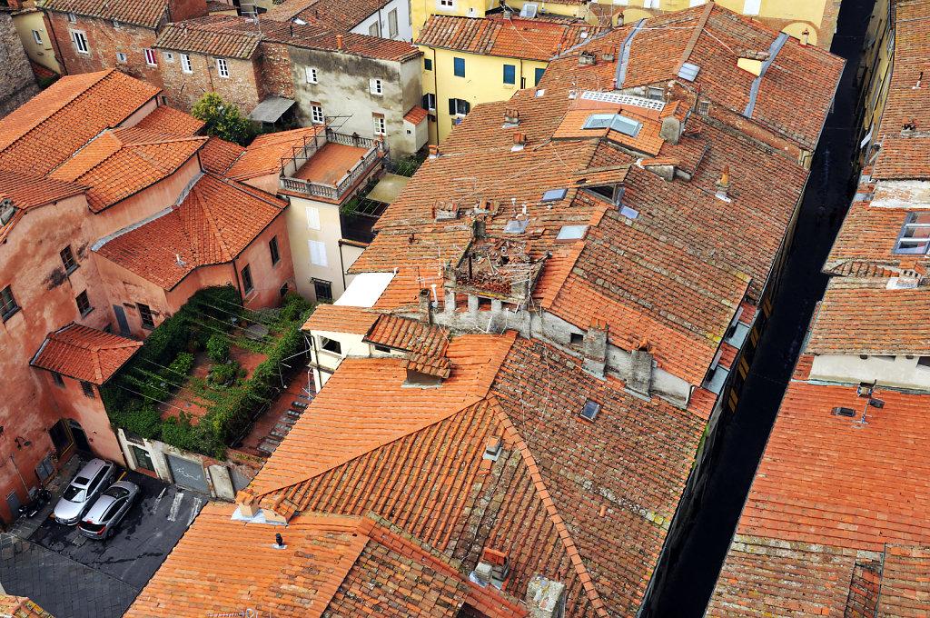 italien- lucca - blick von oben - grüne oase