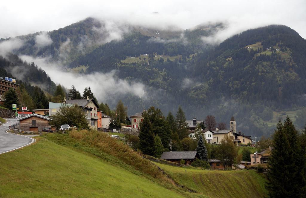schweiz - airolo – in den wolken