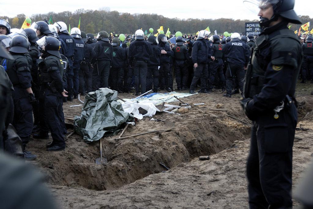 castor november 2010 –   die kundgebung (08)