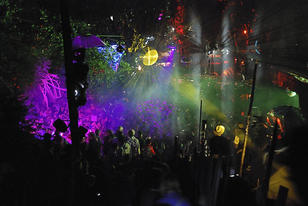 fusion festival 2009 nachts (04) - neuland teil 2