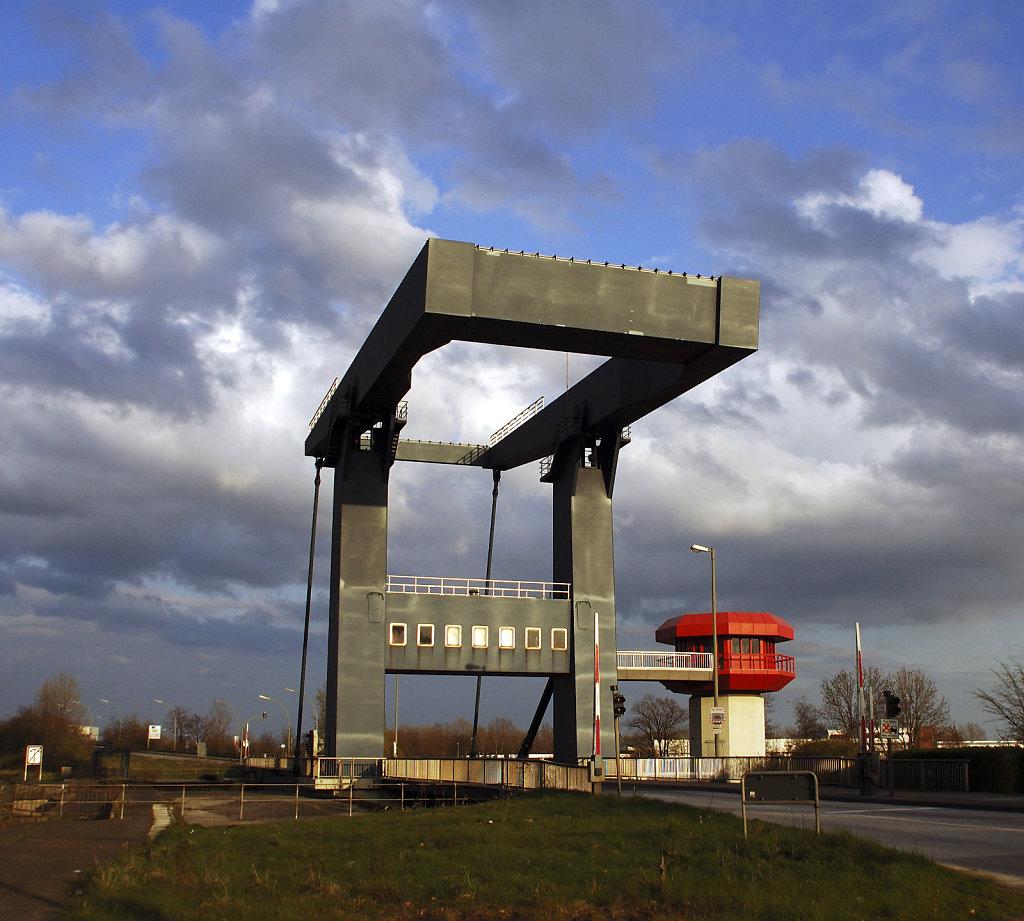 hamburg hafen -(72) -reiherstieg klappbrücke