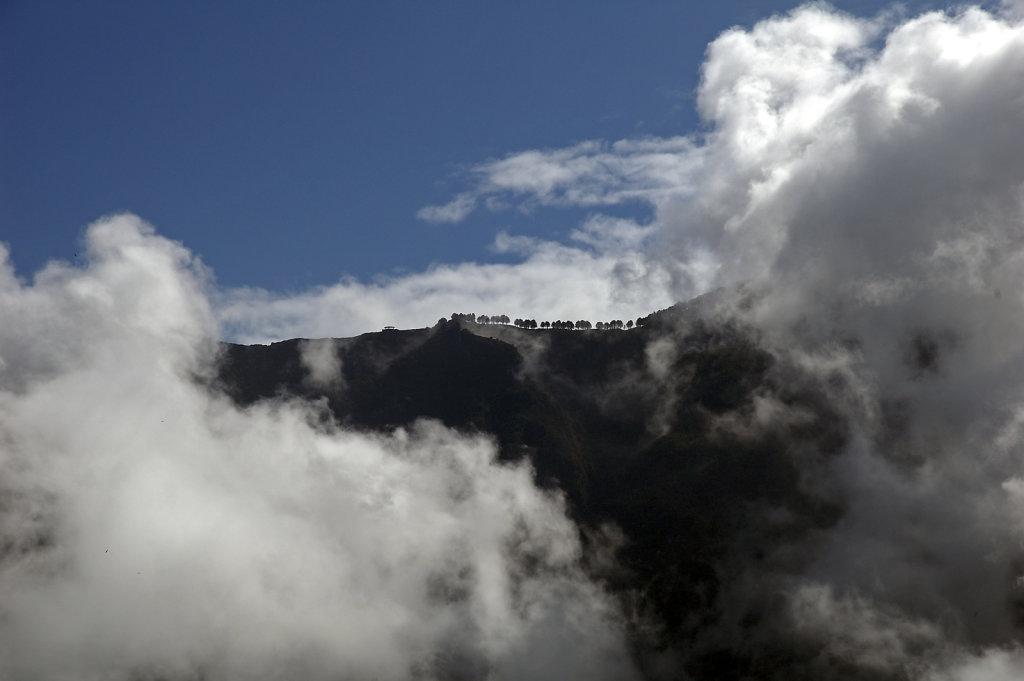 el hierro (26)- in den wolken