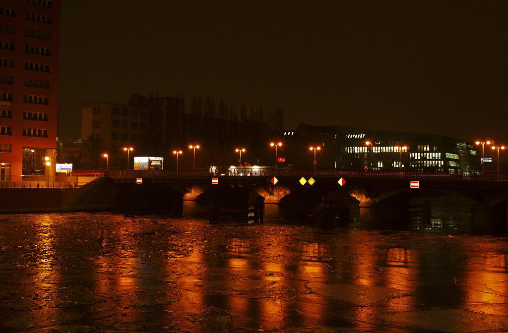 nachts an der schillingbrücke