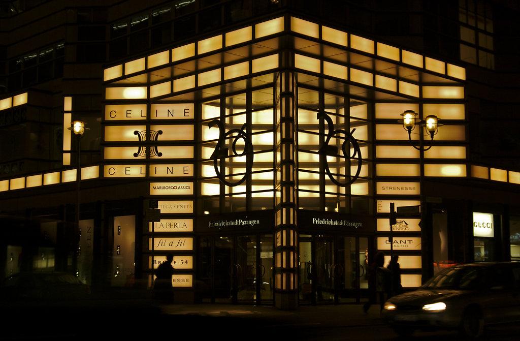nachts in der friedrichstraße