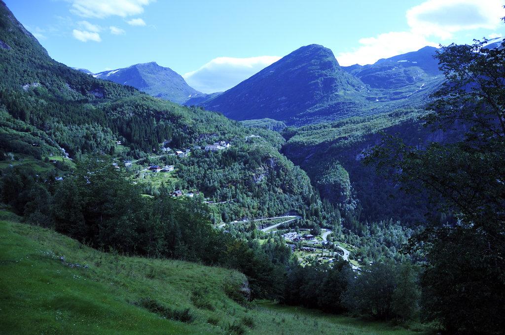 norwegen (112)  - geiranger - aufstieg zur alm