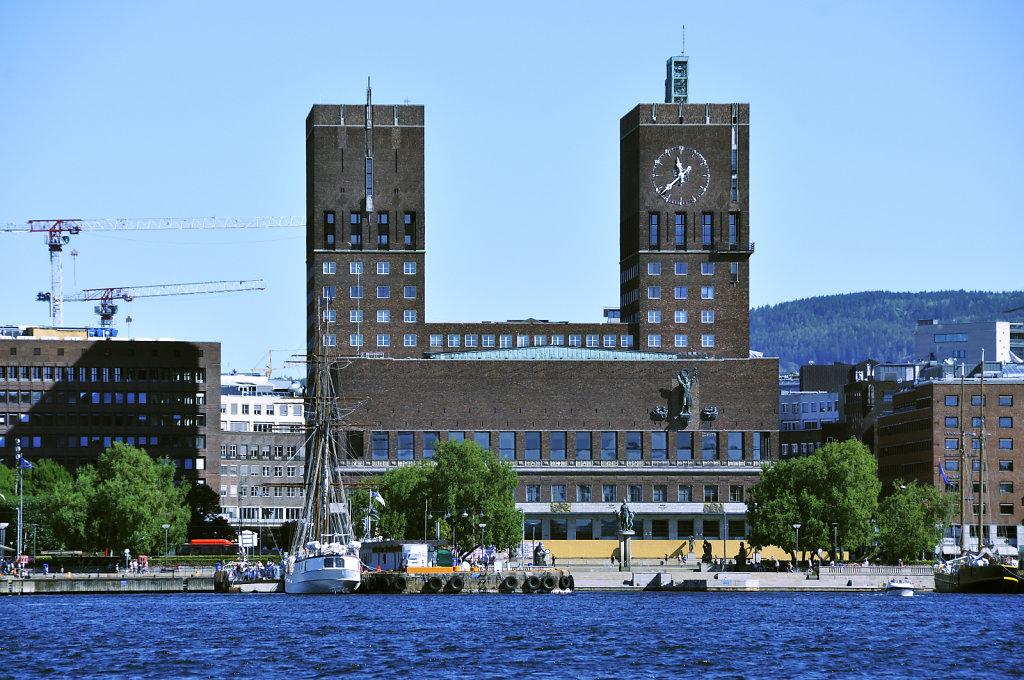 norwegen (142)  - oslofjord - rathaus