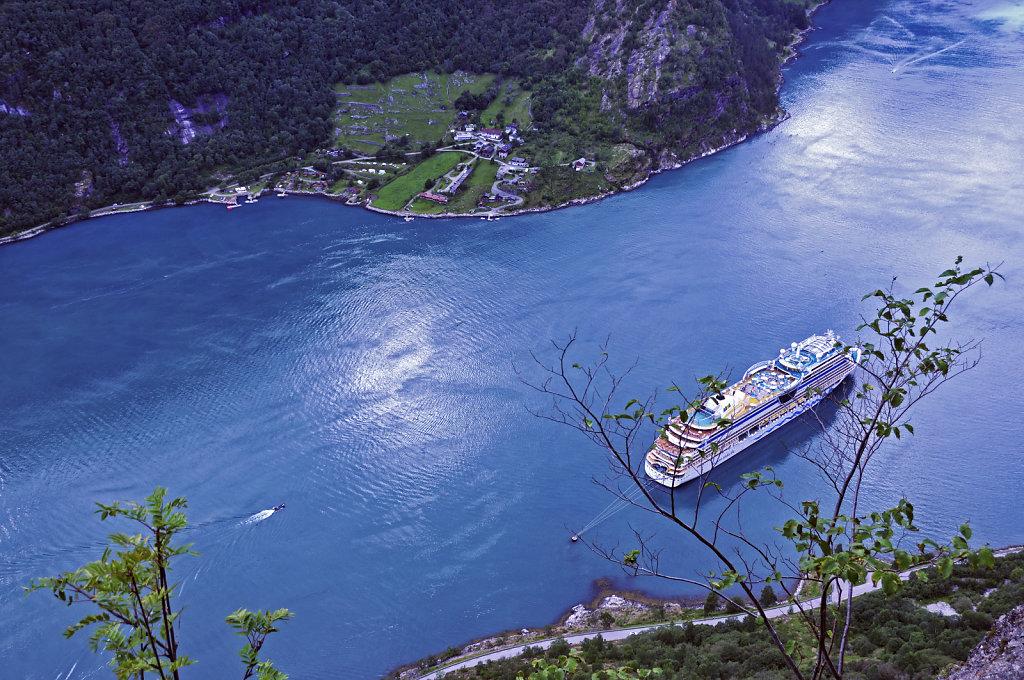 norwegen (115)  - geiranger fjord - von oben