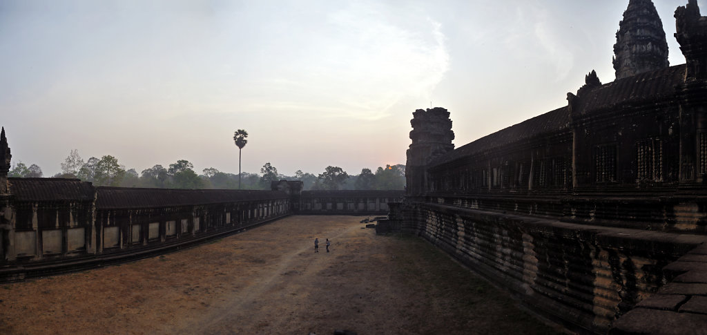 kambodscha - tempel von angkor - angkor wat (18) - teilpanorama