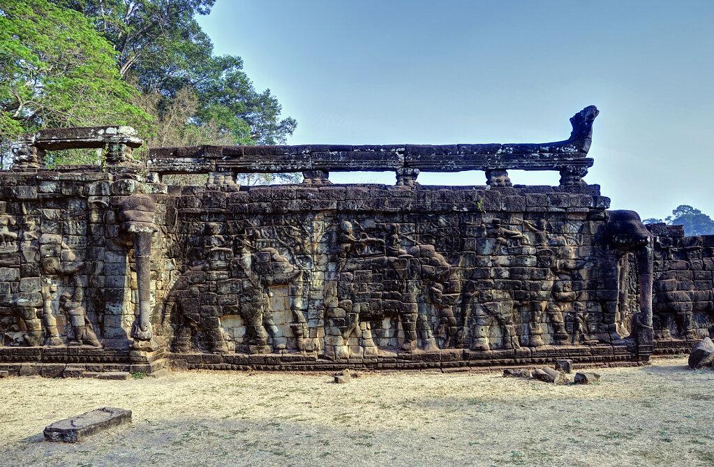 kambodscha - tempel von anghor - angkor thom - terrasse der elef